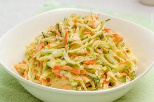 Салат из редьки крупно