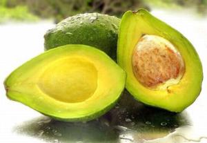 Авокадо содержит много разнообразных полезных веществ