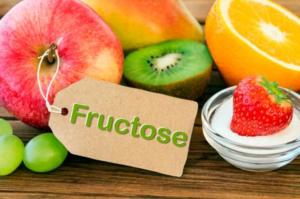Фруктозу выделяют из фруктов и ягод