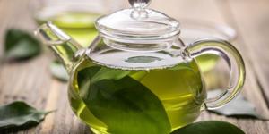 Зеленый чай делают из тех же листьев, что и черный, но по другой технологии