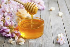 Чем полезен акациевый мед