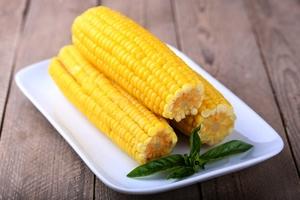 Как готовить кукурузу